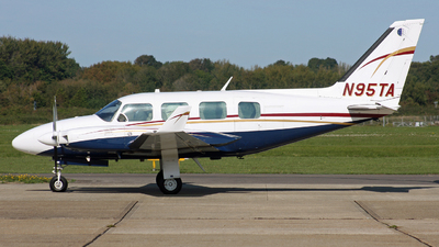 A picture of N95TA - Piper PA31310 - [317300971] - © Hawkwind