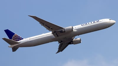A picture of N67052 - Boeing 767424(ER) - United Airlines - © Invalid Hot - HKPSA