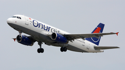 TC-OBH - Airbus A320-233 - Onur Air