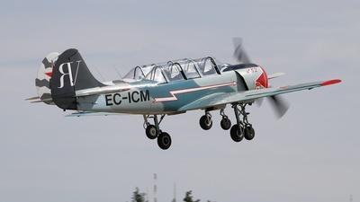 EC-ICM - Yakovlev Yak-52 - Private