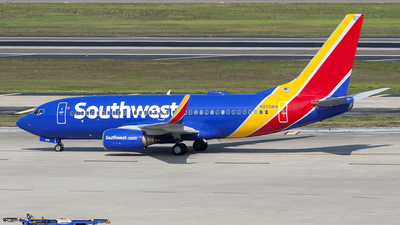 A picture of N935WN - Boeing 7377H4 - Southwest Airlines - © Bruce Leibowitz