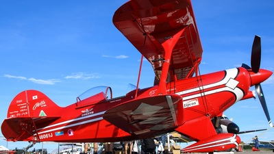 N8061J - Pitts S-2S Special - Redfox Airshows
