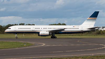 EC-HDS - Boeing 757-256 - Privilege Style