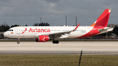 A picture of N742AV - Airbus A320214 - Avianca - © Yixin Chen