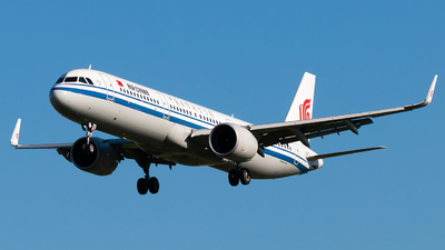 A picture of B1067 - Airbus A321271N - Air China - © william8252