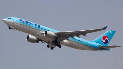 HL8228 - Airbus A330-223 - Korean Air