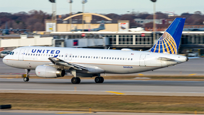 A picture of N460UA - Airbus A320232 - United Airlines - © Mateo Skinner