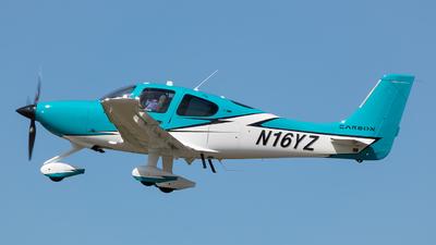 N16YZ - Cirrus SR22T Carbon - Nassau Flyers