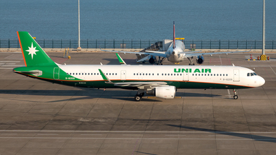 B-16209 - Airbus A321-211 - Uni Air