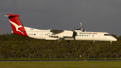A picture of VHQOE - De Havilland Canada Dash 8400 - Qantas - © Annette