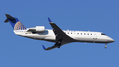 A picture of N432AW - Mitsubishi CRJ200LR - United Airlines - © DJ Reed - OPShots Photo Team
