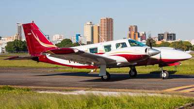 PR-EMN - Piper PA-34-220 Seneca III - Private