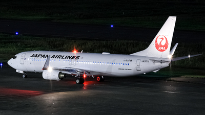 A picture of JA301J - Boeing 737846 - Japan Airlines - © ryu330