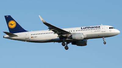 A picture of DAIUY - Airbus A320214 - Lufthansa - © Stefan Bayer