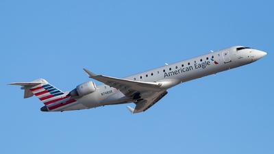 A picture of N748SK - Mitsubishi CRJ701ER - American Airlines - © Luke Dogan