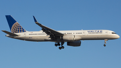 A picture of N12116 - Boeing 757224 - United Airlines - © Xiamen Air 849 Heavy