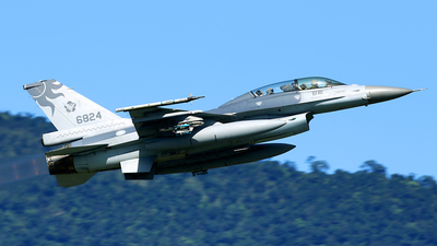 6824 - General Dynamics F-16B Fighting Falcon - Taiwan - Air Force