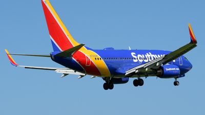 A picture of N758SW - Boeing 7377H4 - Southwest Airlines - © Hector Rivera-HR Planespotter