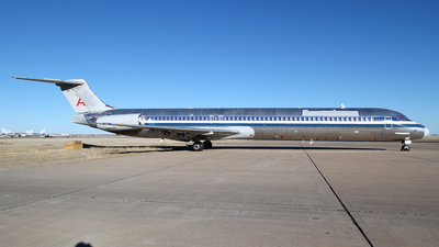 A picture of N570AA - McDonnell Douglas MD83 - [49352] - © Andy Egloff