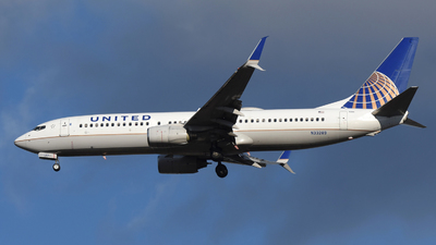 A picture of N33289 - Boeing 737824 - United Airlines - © DJ Reed - OPShots Photo Team