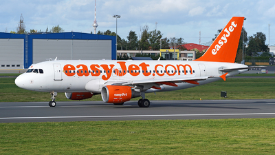 A picture of GEZAW - Airbus A319111 - easyJet - © Andrey Nesvetaev