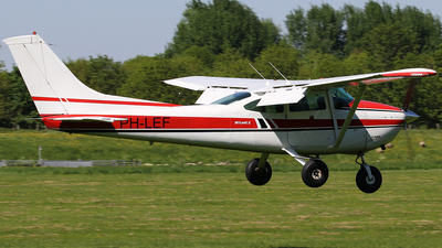 PH-LEF - Cessna 182Q Skylane II - Private
