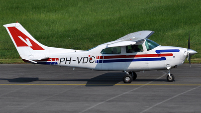 PH-VDC - Cessna 210N Centurion II - Private
