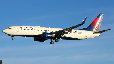 A picture of N383DN - Boeing 737832 - Delta Air Lines - © Michael Rodeback