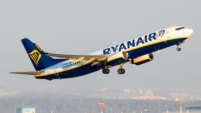 A picture of EIENS - Boeing 7378AS - Ryanair - © Eyal Zarrad