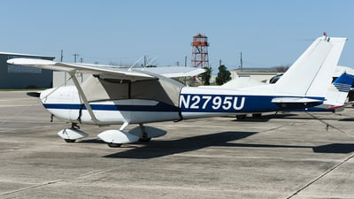 N2795U - Cessna 172D Skyhawk - Private