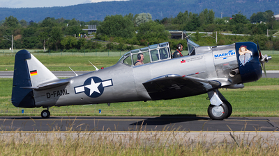D-FAML - North American AT-6D Harvard III - Private