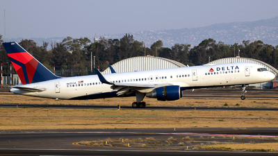 A picture of N6707A - Boeing 757232 - Delta Air Lines - © Iván Cabrero