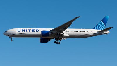 N2250U - Boeing 777-322ER - United Airlines