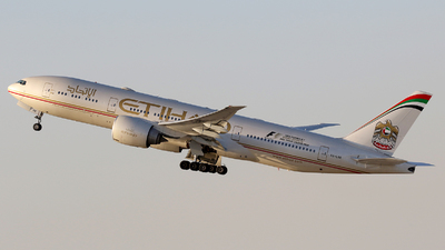 A6-LRE - Boeing 777-237LR - Etihad Airways
