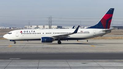 A picture of N390DA - Boeing 737832 - Delta Air Lines - © David Lee