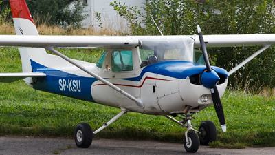 SP-KSU - Cessna 152 - Private