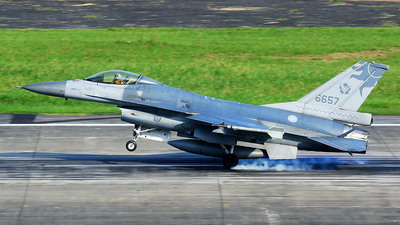6657 - General Dynamics F-16A Fighting Falcon - Taiwan - Air Force