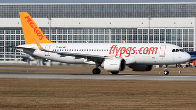 A picture of TCNCH - Airbus A320251N - Pegasus Airlines - © Eddie Heisterkamp