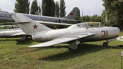 31 - Mikoyan-Gurevich MiG-15UTI Midget - Soviet Union - Air Force