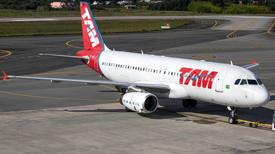 A picture of PTMZL - Airbus A320232 - LATAM Airlines - © J3an_longo