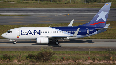 EI-EEB - Boeing 737-73S - LAN Colombia (Aires Colombia)