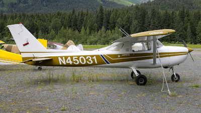 N45031 - Cessna 150M - Private