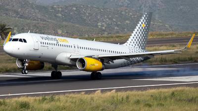 A picture of ECMJB - Airbus A320232 - Vueling - © Martín Marrero Hdez