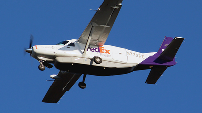 A picture of N775FE - Cessna 208B Super Cargomaster - FedEx - © Huy Do