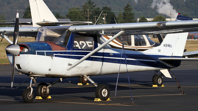 N3198J - Cessna 150G - Private