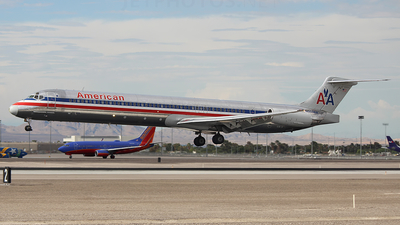 N559AA - McDonnell Douglas MD-82 - American Airlines