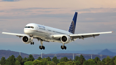N504UA - Boeing 757-222 - United Airlines