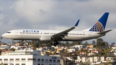 N37252 - Boeing 737-824 - United Airlines