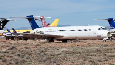 N545PT - McDonnell Douglas MD-82 - Untitled