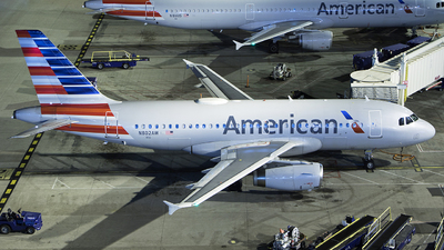 A picture of N802AW - Airbus A319132 - American Airlines - © Zihaoo W & Donny H Photography